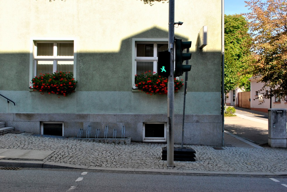 These green and red men for cross walks are only in some Eastern German towns.